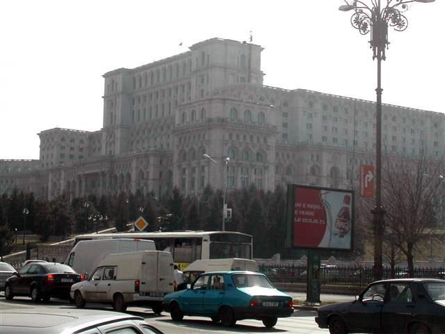 Dominanta Bukurešti - Ceausesc?v palác